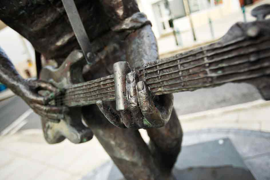 photo of the Rory Gallagher Statue